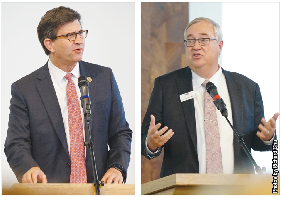 Congressman Brad Schneider, D-Ill. (left) and Republican opponent Doug Bennett deliver speeches at the North Shore Jewish Community Candidate Forum on Oct. 14. As the election date has approached, students have found ways to be involved in these political races such as interning for candidates. Photos by Richard Chu